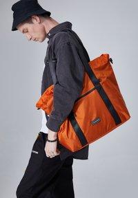 CONSIGNED - IONIA  - Shopping bag - orange - 1