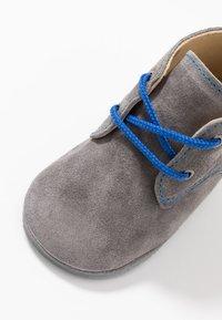 Pinocchio - Chaussons pour bébé - grey - 2