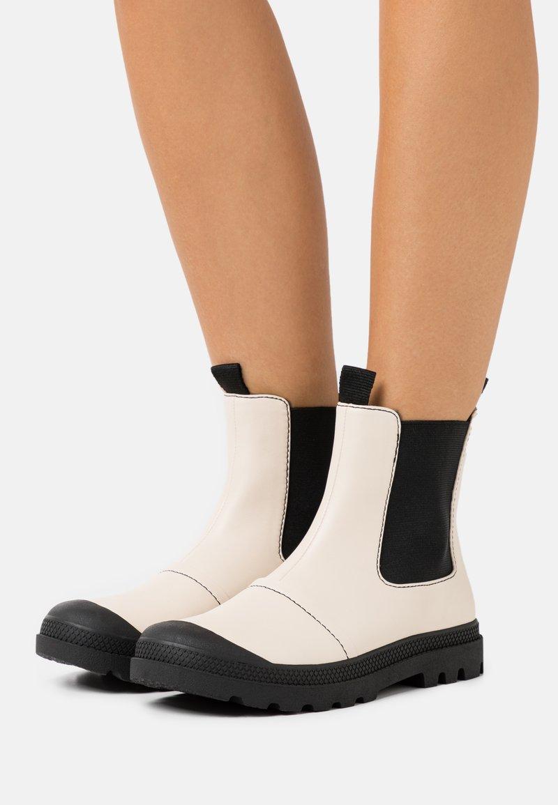 Rubi Shoes by Cotton On - ASTRID LUG SOLE BOOT - Støvletter - ecru