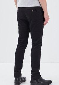 BONOBO Jeans - UMWELTFREUNDLICHE - Chinos - black - 2