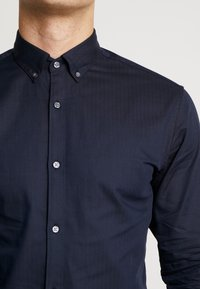 Jack & Jones PREMIUM - JPRFOCUS SOLID SHIRT SLIM FIT - Shirt - navy blazer - 5