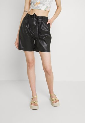 VISILLA - Shorts - black