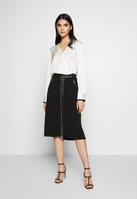 DKNY - BLOUSE WITH TWIST FRONT - Bluser - offwhite - 1