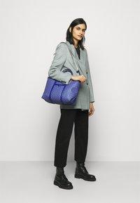MICHAEL Michael Kors - BECK TOTE - Handbag - twilight blue - 1