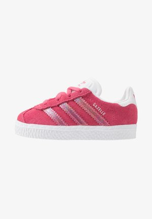 GAZELLE - Matalavartiset tennarit - real pink/footwear white