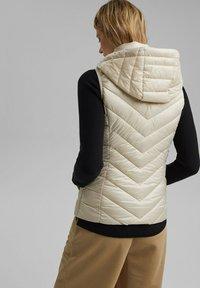 Esprit - MIT 3M™ THINSULATE™ - Waistcoat - cream beige - 2