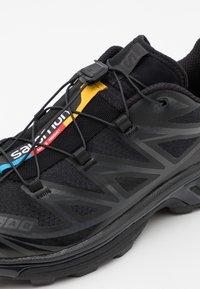 Salomon - XT 6 UNISEX - Sneakers basse - black/phantom - 5