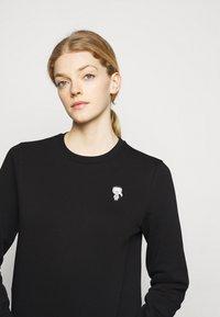 KARL LAGERFELD - MINI IKONIK PATCH  - Sweatshirt - black - 3