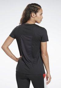 Reebok - RUNNING ESSENTIALS TEE - T-shirt print - black - 2