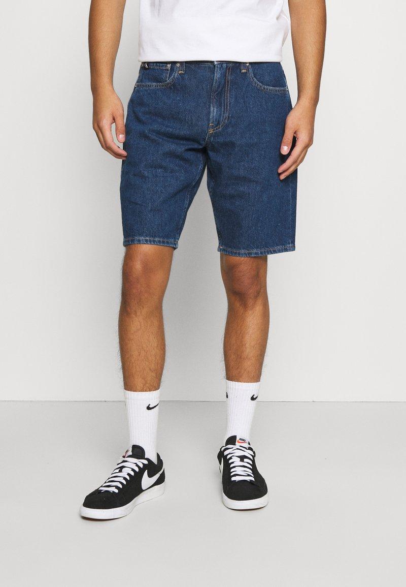Calvin Klein Jeans - REGULAR  - Džínové kraťasy - blue