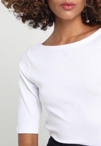 GAP - BALLET - T-shirts - optic white - 4