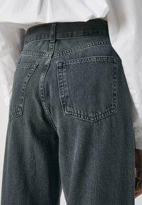 PULL&BEAR - Jeans a zampa - black - 5