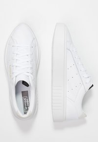 adidas Originals - SLEEK SUPER  - Sneakersy niskie - footwear white/crystal white/core black - 3