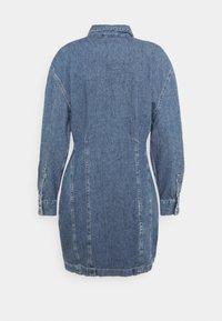 Levi's® - BRAELYN UTILITY DRESS - Spijkerjurk - blue denim - 7
