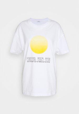 ENKULLA TEE - T-Shirt print - white under