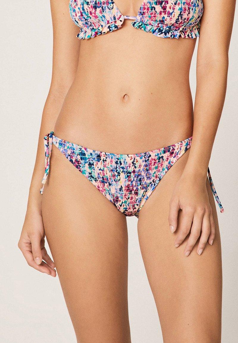 OYSHO - KLASSISCHER BIKINISLIP MIT BLÜMCHEN  - Bikini bottoms - multi-coloured