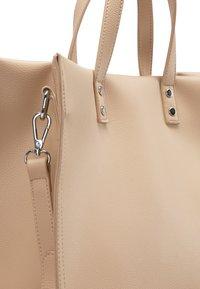 usha - HENKELTASCHE - Handbag - sand - 4