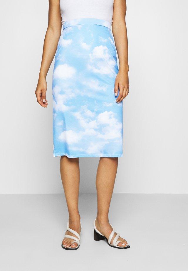 EMILIE MALOU SKY PRINTED SKIRT - A-lijn rok - light blue