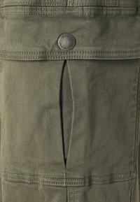 ONLY - ONLGIGI CARRA LIFE  - Pantalones cargo - kalamata - 7