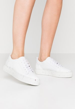 RECYCLED RUBBER SOLE - Sneakers laag - white