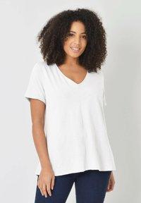 Live Unlimited London - Basic T-shirt - white - 0