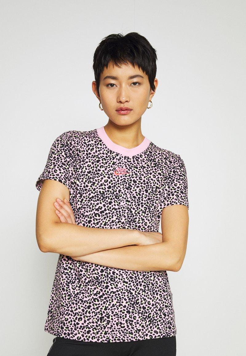 Nike Sportswear - PACK TEE - Print T-shirt - pink