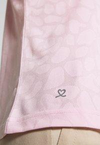 Daily Sports - UMA - T-shirt z nadrukiem - pink - 5