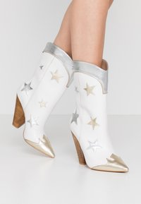 Liu Jo Jeans - GUENDA  - High heeled boots - white - 0