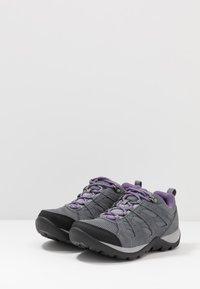 Columbia - REDMOND V2 WP - Outdoorschoenen - ti grey steel/plum purple - 2