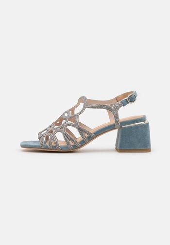 Sandals - jeans
