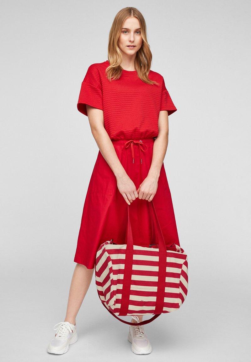 s.Oliver - Tote bag - red stripes