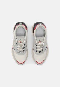 Hummel - MARATHONA REACH LX UNISEX - Sneakers - white/lunar rock - 3