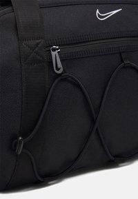 Nike Performance - ONE CLUB BAG - Sportovní taška - black/black/white - 4