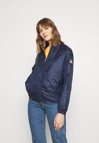 PYRENEX - WATER REPELLENT AND WINDPROOF CREEK - Summer jacket - amiral - 0