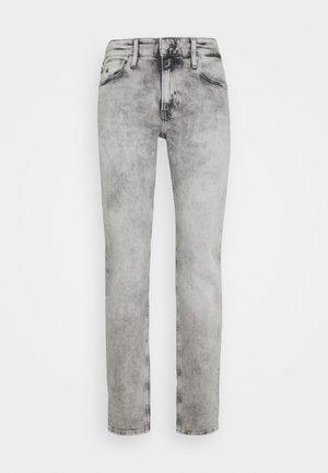 CKJ 026 SLIM - Slim fit jeans - denim grey