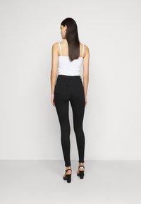 Missguided Tall - VICE HIGH WAISTED - Skinny džíny - black - 2