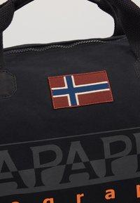 Napapijri - BERING  - Sportstasker - black - 7