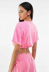 Bershka - Jednoduché triko - pink - 2