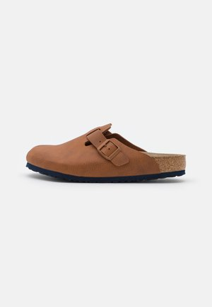 BOSTON BS SOFT FOOTBED - Mules - caramel