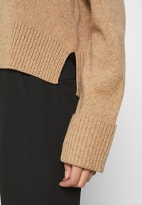 ARKET - TURTLENECK JUMPER - Jumper - beige dark - 5