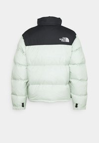 The North Face - 1996 RETRO NUPTSE JACKET UNISEX - Down jacket - green mist - 1