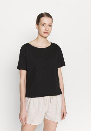 IN CONVERSION TEE - Basic T-shirt - black