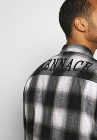 Mennace - APPLIQUE CHECK - Camicia - white - 3