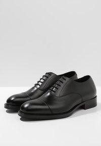 J.LINDEBERG - HOPPER TOE PORT - Elegantní šněrovací boty - black - 2