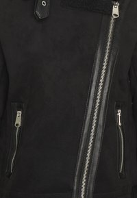 ONLY Tall - ONLDIANA BONDED AVIATOR JACKET TALL - Faux leather jacket - black - 2