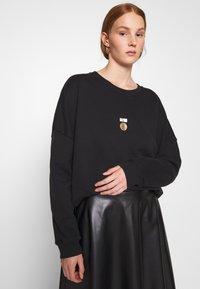 10DAYS - PRINT - Sweater - black - 3
