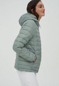PULL&BEAR - Winter jacket - light green - 3