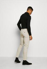 Jack & Jones PREMIUM - JPRVINCENT TROUSER - Spodnie garniturowe - beige - 2