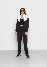 Nike Sportswear - TRACK SUIT SET - Zip-up sweatshirt - black/white - 1