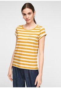 comma casual identity - Print T-shirt - yellow stripes - 0